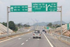Thông xe tuyến cao tốc Hà Nội- Lào Cai sau sự cố cháy xe bồn
