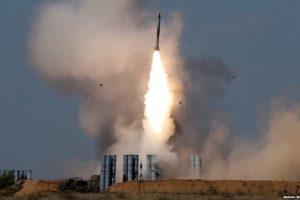 Nga rục rịch chuyển 'rồng lửa' S-300 cho Syria, nói bị phương Tây 'tống tiền chính trị'