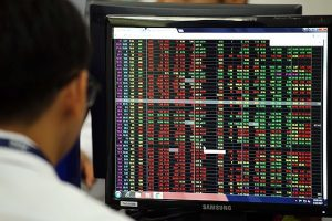 Chứng khoán phiên chiều 14/12: Lực bán tăng cao, VN-Index mất mốc 955 điểm