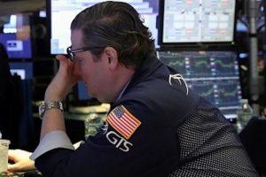 PMI Mỹ chạm đáy 2 năm, Phố Wall đi xuống, Dow Jones mất hơn 660 điểm