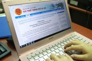 """Facebook kiếm tiền """"tấn"""", đóng thuế """"nhỏ giọt"""" tại Việt Nam"""