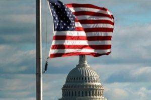 """Phe Dân chủ đề xuất ngừng đóng cửa chính phủ, không chi tiền cho """"tường"""" của ông Trump"""