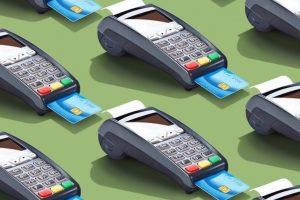 Người dân vẫn lo ngại quẹt thẻ khi mua sắm