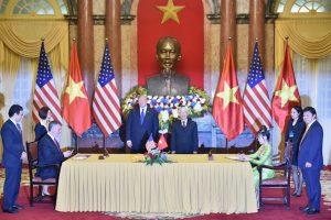 Tổng thống Donald Trump hội kiến Tổng Bí thư Nguyễn Phú Trọng: Nhiều thương vụ 'khủng' được ký kết