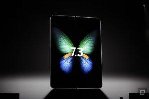 Samsung trình làng smartphone gập