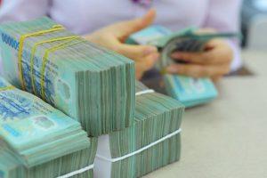 Thủ tướng yêu cầu mở rộng tín dụng, giảm lãi suất