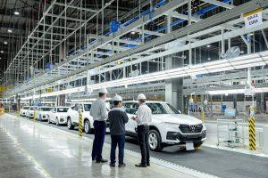 VinFast 'xuất ngoại' 155 xe để kiểm tra chất lượng