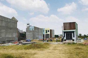 """Huyện Bình Chánh """"trảm"""" cán bộ tiếp tay cho nạn xây nhà không phép"""