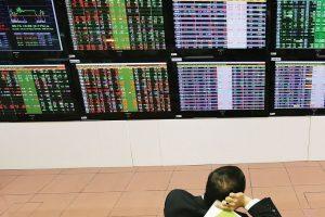 Hai cổ phiếu bị hủy niêm yết trong tháng 5