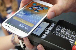Ý kiến trái chiều về quy định ví điện tử