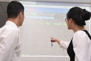 VN-Index sau phiên cơ cấu ETFs: Chờ sóng tăng mới