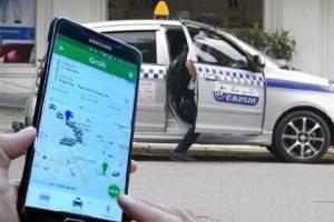 """Bộ Giao thông vẫn quyết """"gắn mào"""" trên taxi công nghệ"""