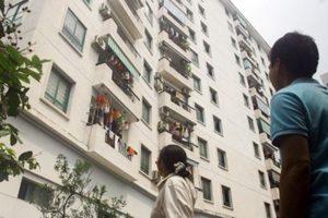 Phía trong các tòa chung cư…