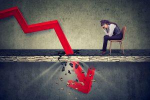 """VN-Index """"bốc hơi"""" gần 20 điểm, cổ phiếu bị bán tháo trên diện rộng"""