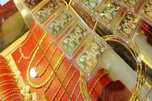 Giá vàng hôm nay 18/6: Vàng trở lại đà tăng, USD biến động
