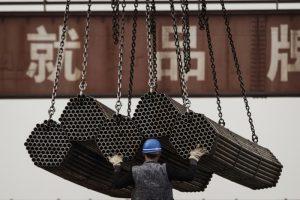 Căng thẳng vừa hạ nhiệt, Mỹ lại áp thuế mới với thép Trung Quốc