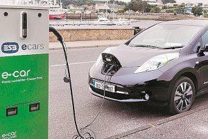Ấn Độ giảm thuế sâu để khuyến khích sử dụng xe điện