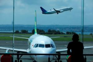 Giá vé máy bay nội địa ở Indonesia tăng vọt