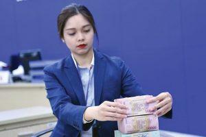Nới room tín dụng: Ngân hàng vừa mừng vừa lo