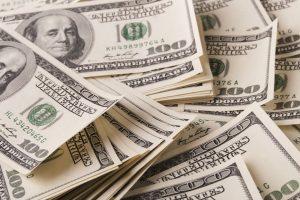 Tỷ giá trung tâm tăng, các ngân hàng ổn định giao dịch USD
