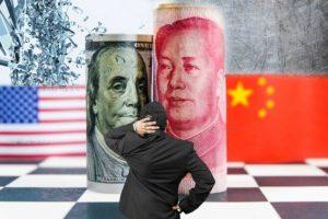 Ví Trung Quốc như 'mỏ neo' kìm hãm nền kinh tế, ông Trump lại tung đòn trừng phạt