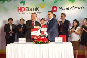 """HDBank hợp tác MoneyGram trả kiều hối """"siêu hỏa tốc"""" tại nhà"""