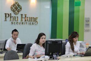 """Lợi nhuận """"bé hạt tiêu"""", cổ phiếu Chứng khoán Phú Hưng tăng mạnh 33%"""