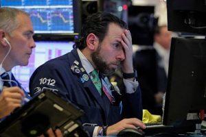 """Chứng khoán Mỹ ngày 14/8: Dow Jones """"rơi tự do"""" tới hơn 800 điểm"""