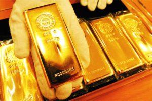 Giá vàng SJC tiếp tục tăng mạnh đến 220.000 đồng, khi dòng tiền trú ẩn rủi ro lên cao