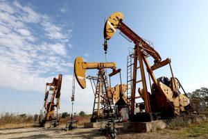 Giá xăng dầu hôm nay 9/8: Dừng đà giảm
