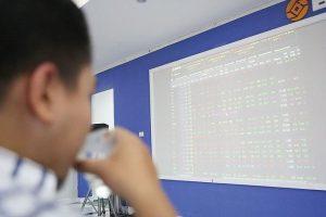 Nhịp phục hồi của VN-Index chững lại, nhà đầu tư nên làm gì?