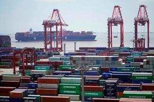 """Trung Quốc """"xuống thang"""" trong cuộc chiến thuế với Hoa Kỳ"""