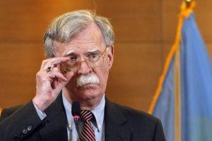 Bất đồng quan điểm sâu sắc, ông Trump sa thải cố vấn 'diều hâu' John Bolton