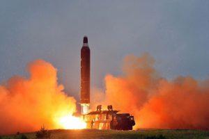 Vừa lên lịch đàm phán hạt nhân với Mỹ, Triều Tiên lại phóng tên lửa