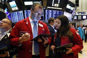 Chứng khoán Mỹ khởi sắc, S&P 500 tiến sát mức cao kỷ lục