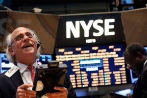 Dow Jones tăng hơn 150 điểm trong lạc quan về thương mại và kết quả kinh doanh