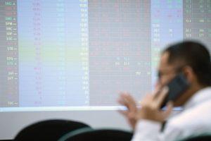 VN-Index lại tiến về ngưỡng 1.000 điểm: Cẩn trọng nhịp điều chỉnh