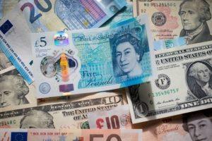 Tỷ giá ngoại tệ hôm nay 10/10: USD giảm nhẹ, bảng Anh khởi sắc trở lại
