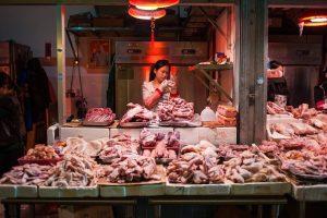 Thiếu thịt trầm trọng, Trung Quốc bất ngờ bỏ hạn chế nhập khẩu gia cầm Mỹ