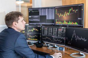 Ngày 25/11: Khối ngoại trở lại mua ròng 64 tỷ đồng, VN-Index giảm 4 phiên liên tiếp