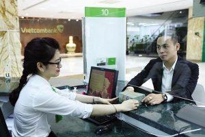 Triển vọng lợi nhuận Vietcombank và 'của để dành' ở mảng tín dụng