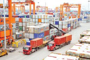 Xuất khẩu 9 tháng tăng 4%: Doanh nghiệp trong nước 'chói sáng' trước FDI