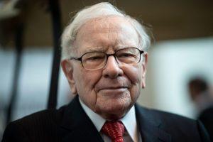 Tỷ phú Warren Buffet: Sai lầm số một mà cha mẹ mắc phải khi dạy con về tài chính