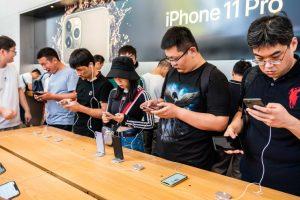 """Apple, Microsoft, Google tìm cách """"rời khỏi"""" Trung Quốc?"""
