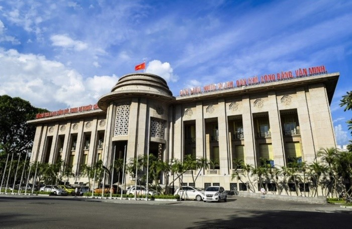 Tiếp bước FED, Ngân hàng Nhà nước Việt Nam giảm lãi suất điều hành