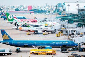 Cục Hàng không đề xuất chưa tăng trần giá vé máy bay để ổn định đời sống