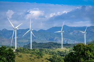 Đầu tư năng lượng tái tạo: Dồn dập đầu tư, tiềm ẩn rủi ro
