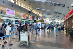 Từ 26/7, dừng đưa đón khách đến và đi nước ngoài từ sân bay Đà Nẵng
