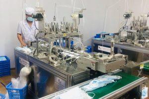Hà Nội: Triệt phá cơ sở sản xuất khẩu trang không đạt tiêu chuẩn