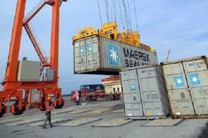 Cước vận tải biển tăng phi mã: 'Cân nhắc giải tỏa hàng nghìn container tồn đọng'